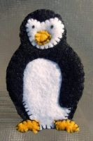 Penguin Magnet by UrsulaPatch