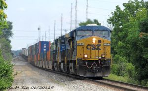 CSXT 5335 leads CSXT Q007 10 at 62 MPH by EternalFlame1891