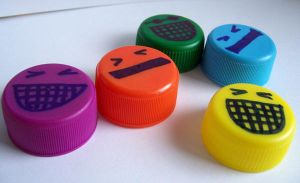 Smile bottle lid by Janaja