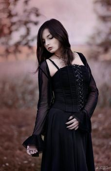 Gothic Lady [2] by Luin-Tinuviel