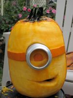 Pumpkin Minion by charlando