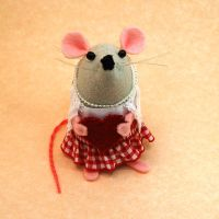 Love Mouse Female by The-House-of-Mouse