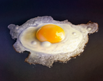 Fried Egg by AaronRutten
