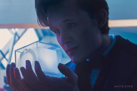 I've got mail! - 11th Doctor Cosplay by Matteleven