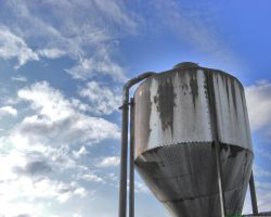 Sky silo by Hixybabes