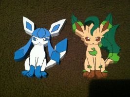 Leafeon and Glaceon Wooden Figure by daghostz