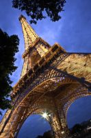 The Eiffel Tower by zifengw