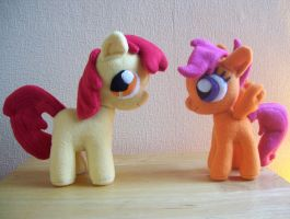 Apple Bloom and Scootaloo Filly plushies by EquestriaPaintings