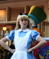 Alice is unsure by DisneyLizzi