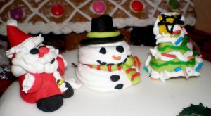 Christmas Cake Decorations by littlemisskirby