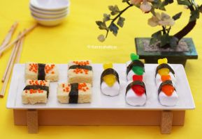 Sushi Dessert by theresahelmer