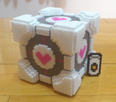 The Cube and GLaDOS (in portal2) by VirusWarriors