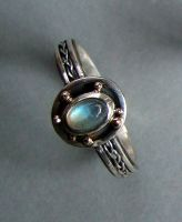 Labradorite ring, gold detail by loopy-dloupe