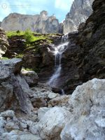 Mountain falls by LBreda