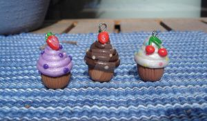 Deluxe cupcake charms by iamwinterborn