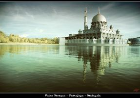 Putra Mosque by neoxavier