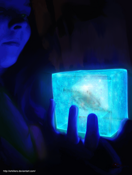 Me holding the Tesseract by Erkillers