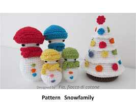 Snowfamily by cottonflake