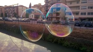 Iridescent kissing bubbles by VerdePolpo