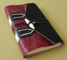 Leather journal in red and black by GatzBcn