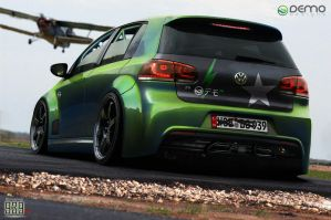 Volkswagen Golf by DemoDesign