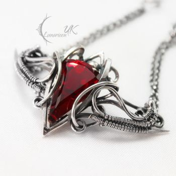 NANTIRIAEL - silver , red quartz and garnet by LUNARIEEN