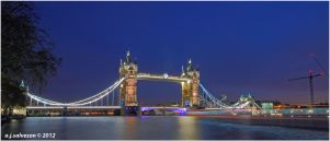 Tower Bridge. by andy-j-s