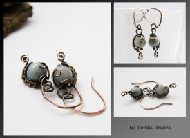 Wire wrapped earrings with aquamarine by mea00