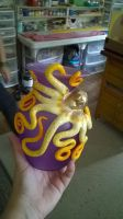 gold octo vase by Vickiwill