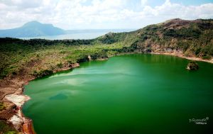 Taal Volcano Crater 2 by psymer
