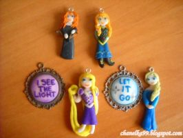 Disney's Figures with modeling clay by Chanelka99