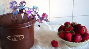 .:YUMMY... Strawberries:. by Lil-melody