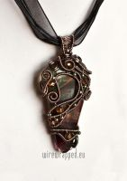 Autumn leaf pendant by ukapala