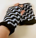 Step it up gloves by MinaThomas