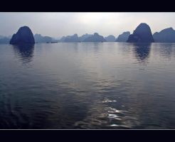 Halong Bay by megaraliancourt