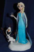 Elsa and Olaf cake topper by melinaminotti