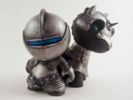 A Munny Knight and his Raffy Horse by liadys