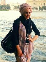 Modeling infront of the nile river by lilipads
