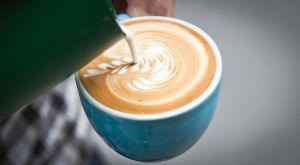 Pouring a flat white by davidr88