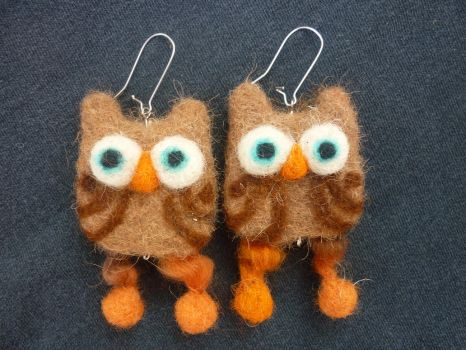 Owl earrings by Woolydesigns