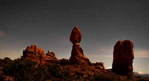 Balanced Rock by maxre