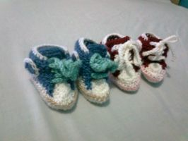 Crochet Baby Shoes All star converse by seawaterwitch