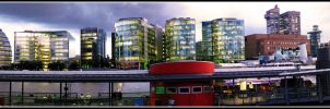 Skyline on the Thames by Aralb