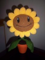 PvZ Crochet Sunflower (front view) by TheEmeraldStitch