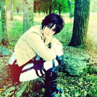 Eren Jaeger Cosplay by RobbieDGrimm