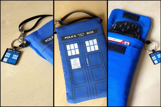 TARDIS Doctor Who Purselet for Phone/Nintendo DS by Monostache