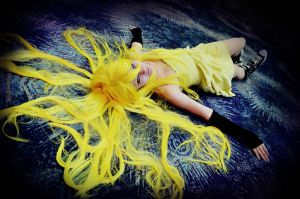 Vocaloid: Yellowly by Owlieo