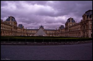Louvre Paris by koryna
