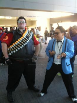 I'm-I'm a Mother Father Giant Man @ Sacanime 2013 by hoodoosteve
