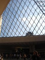 PARIS: Inside the Louvre 02 by beekay84